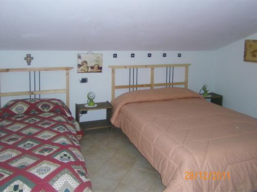 Viola letto matrimoniale pi un letto singolo casetta - Dove comprare un letto matrimoniale ...
